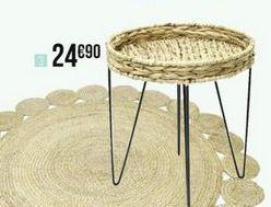 Table basse en rotin avec pieds en métal offre à