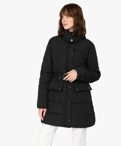 Manteau femme matelassé avec capuche et ceinture offre à 59,99€