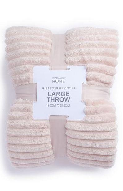 Grand jeté de lit rose doux côtelé offre à 16€