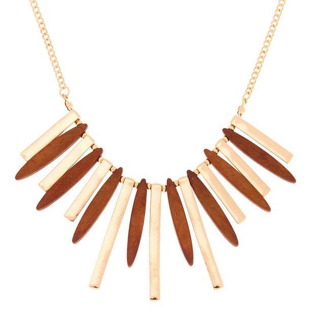 Collier volumineux avec barre en bois d'imitation et couleur doré offre à 5€
