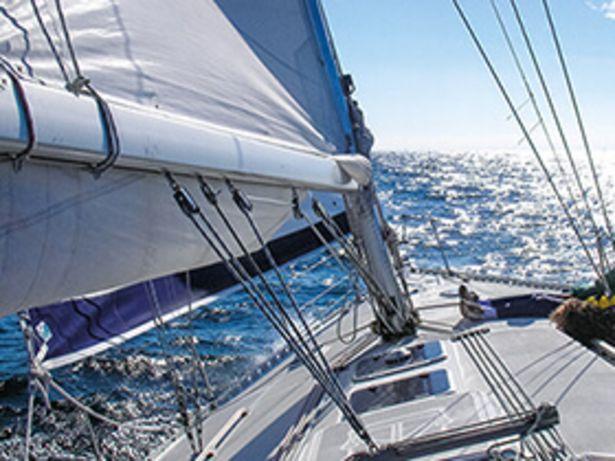 Séjour en voilier vers l'île de Jersey pour 2 personnes offre à 269,91€