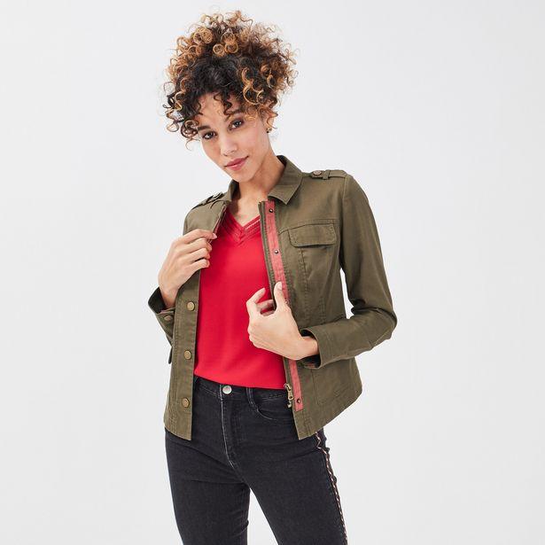 Veste droite boutonnée vert kaki femme offre à 32,19€