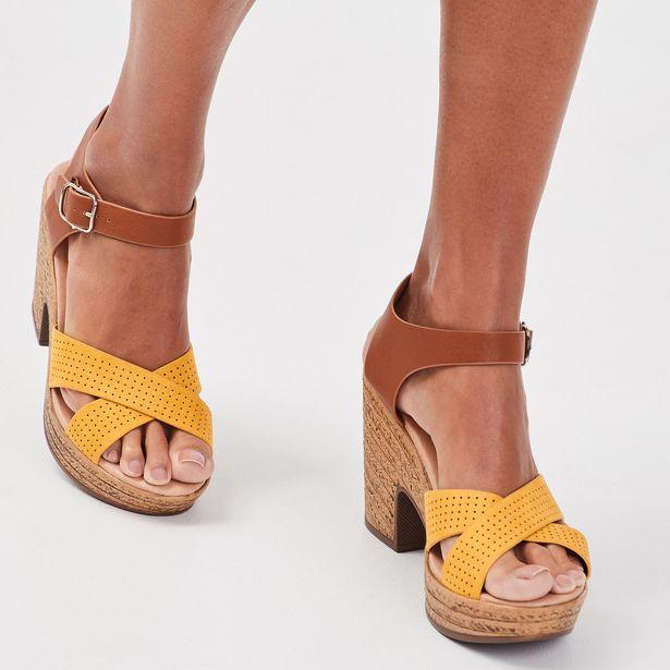 Sandales à talons perforées jaune femme offre à 35,99€