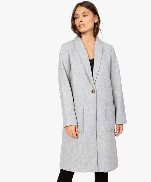 Manteau femme avec grand col et fermeture bouton offre à 39,99€
