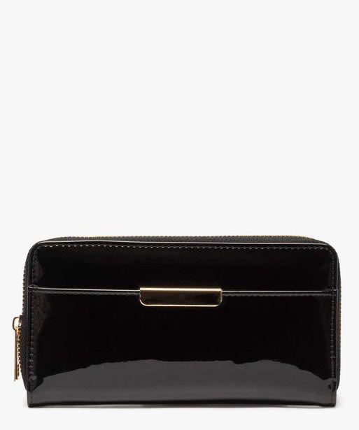 Portefeuille verni avec petite plaque métallique offre à 6,99€