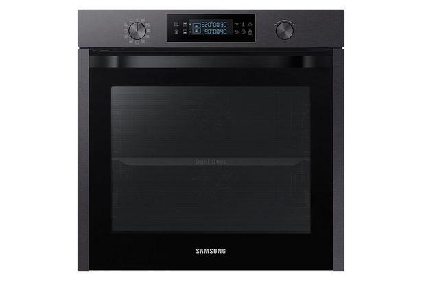 Four Samsung NV75K5571RM offre à 599€