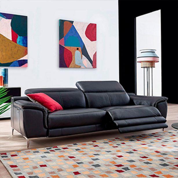 Canapé relaxation 3 places 100% cuir. offre à 3324€