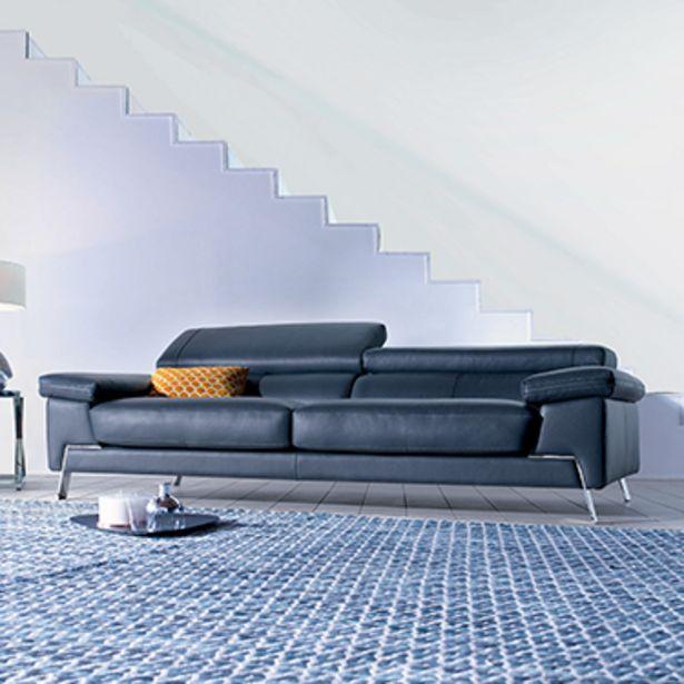 Canapé 3 places 100% cuir. offre à 3187€