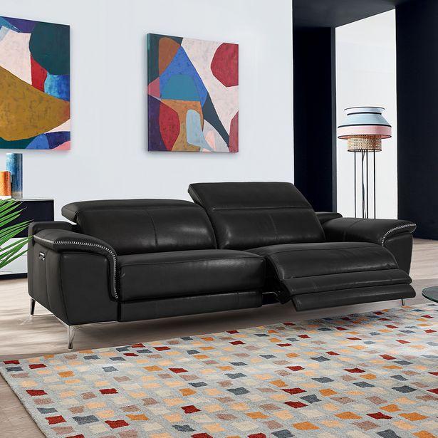 Canapé relaxation 3 places 100% cuir. offre à 2490€