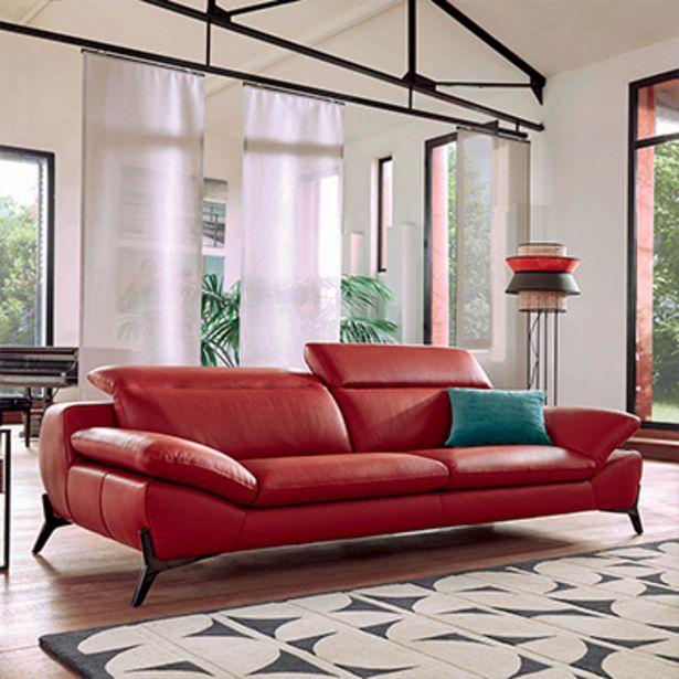 Canapé 3 places 100% cuir. offre à 3157€