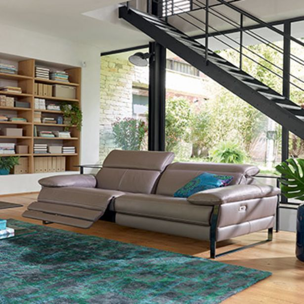 Canapé 3 places relaxation 100% cuir. offre à 4343€