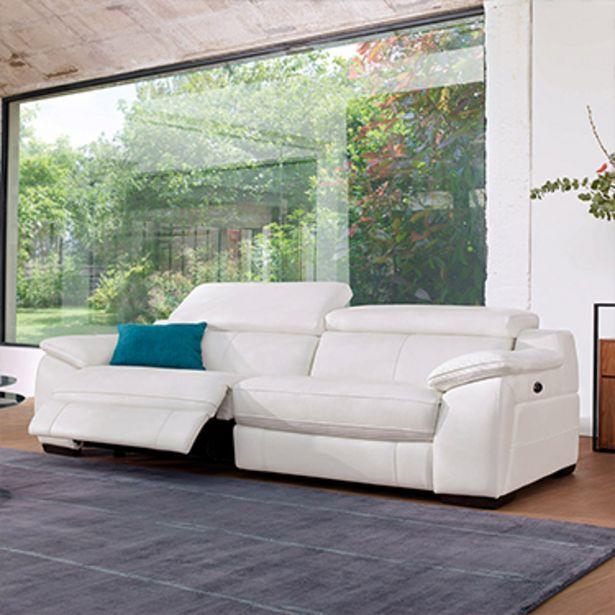 Canapé 3 places relaxation 100% cuir. offre à 3149€
