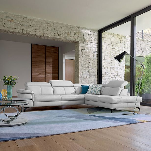 Canapé d'angle 5 places 100% cuir. offre à 4335€