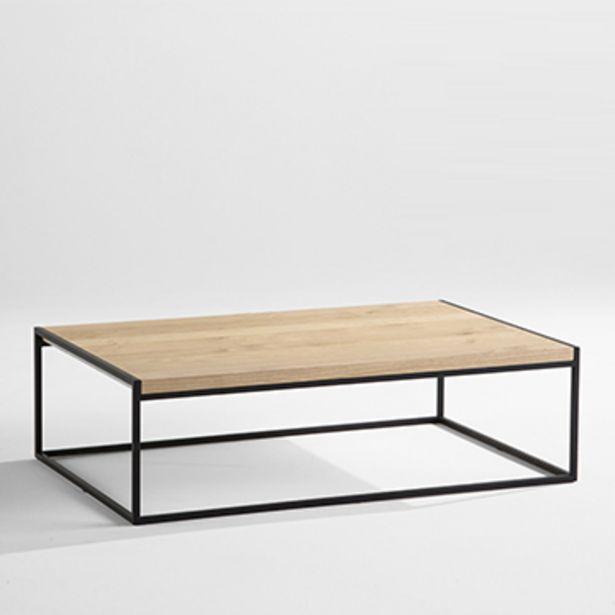 Table basse à plateau en chêne naturel. offre à 749€