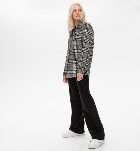 Pantalon flare uni Femme offre à 15,98€