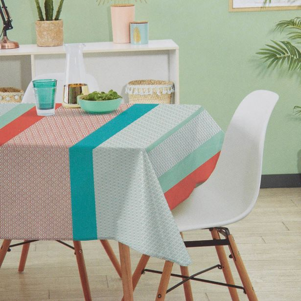 Nappe rectangulaire multicolore motif graphique offre à 49€
