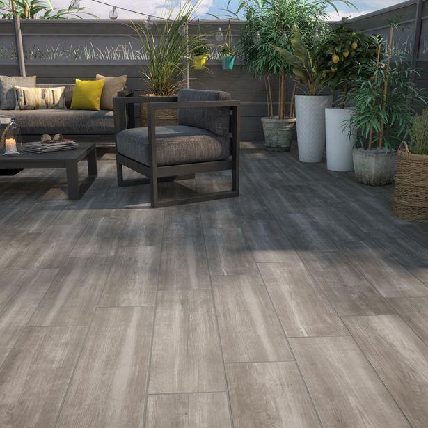 Carrelage sol extérieur forte effet bois taupe Apero l.20 x L.60.4 cm offre à 13,56€