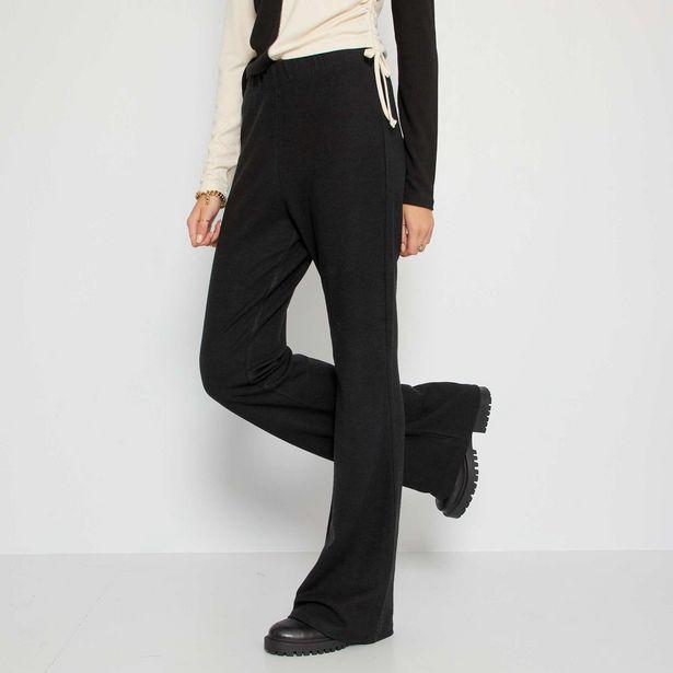 Pantalon flare en maille côtelée offre à 12€