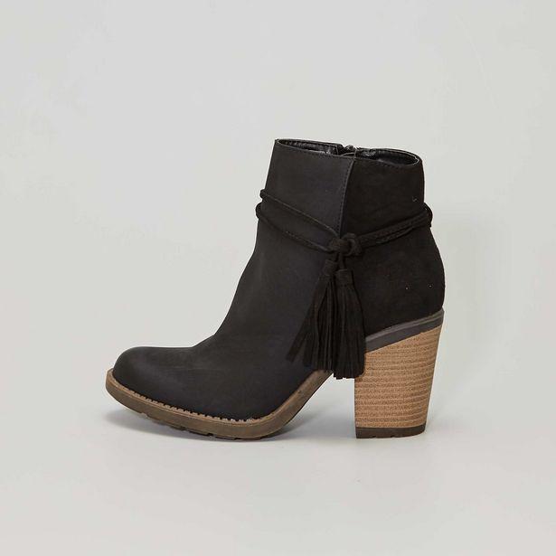 Boots à talons effet bois et pompons offre à 28€