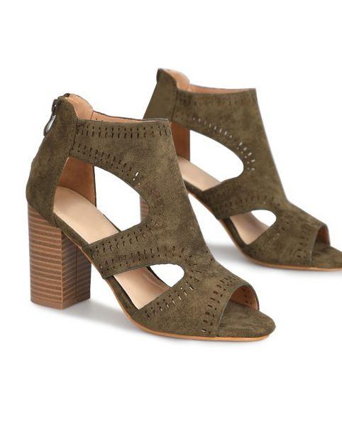 Sandales simili daim  offre à 24,99€